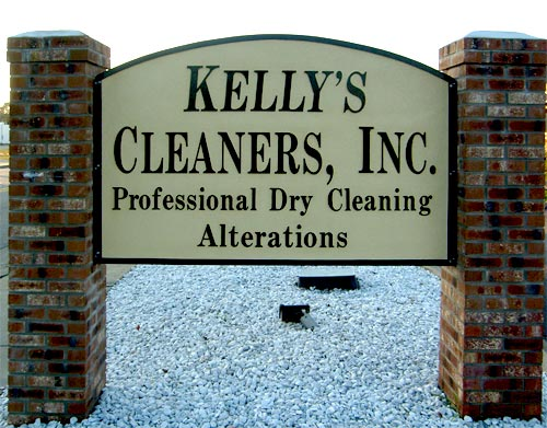 sandblasted-signs-kellys-cleaners