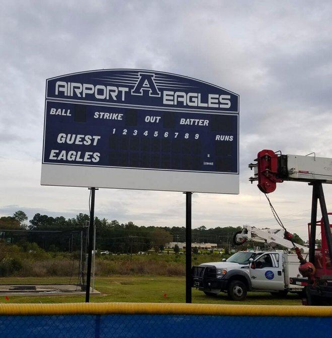 airport-scoreboard